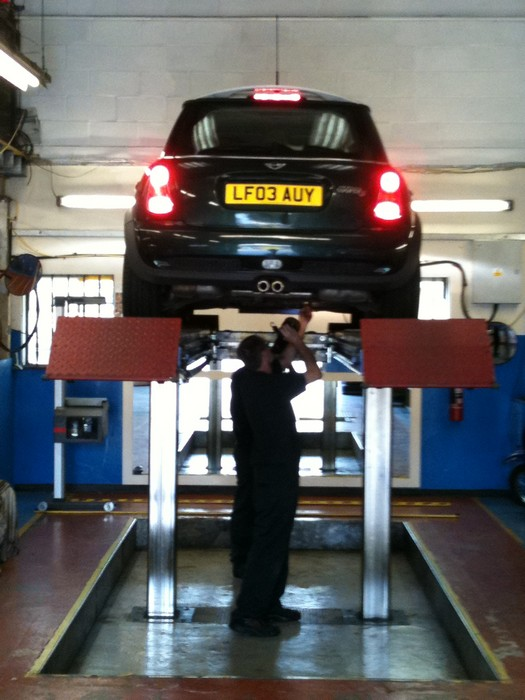 car on mot lift